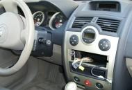 Renault radio removal